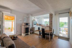 App 2 - Wohnzimmer-Ansicht 2